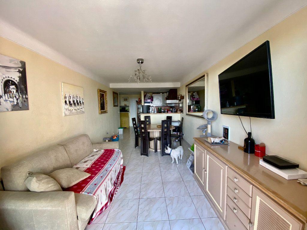 Appartement à vendre 3 65m2 à Grasse vignette-2