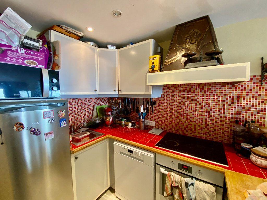 Appartement à vendre 3 65m2 à Grasse vignette-3