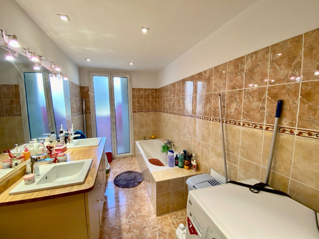 Appartement à vendre 3 65m2 à Grasse vignette-7