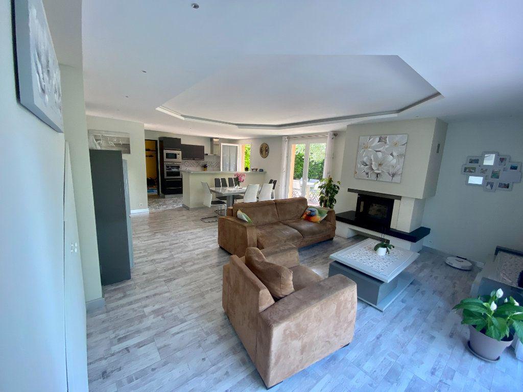 Maison à vendre 5 117.9m2 à Grasse vignette-5