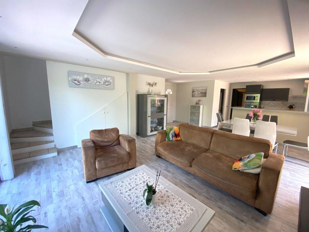 Maison à vendre 5 117.9m2 à Grasse vignette-6