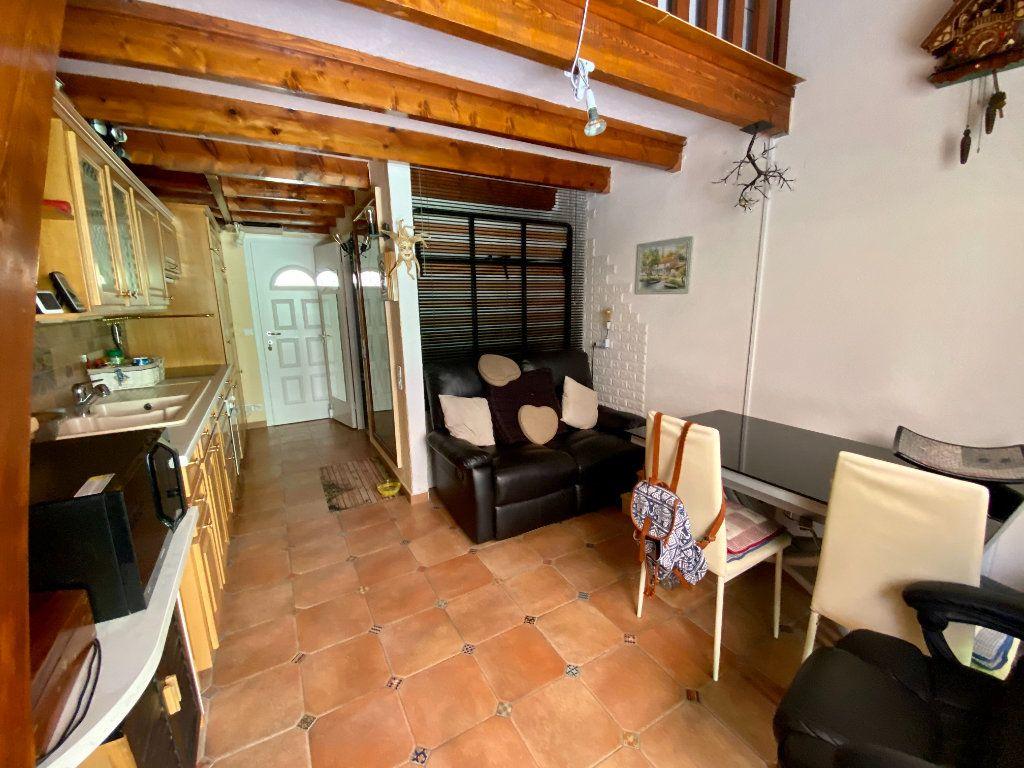 Appartement à vendre 2 33.74m2 à Saint-Vallier-de-Thiey vignette-2