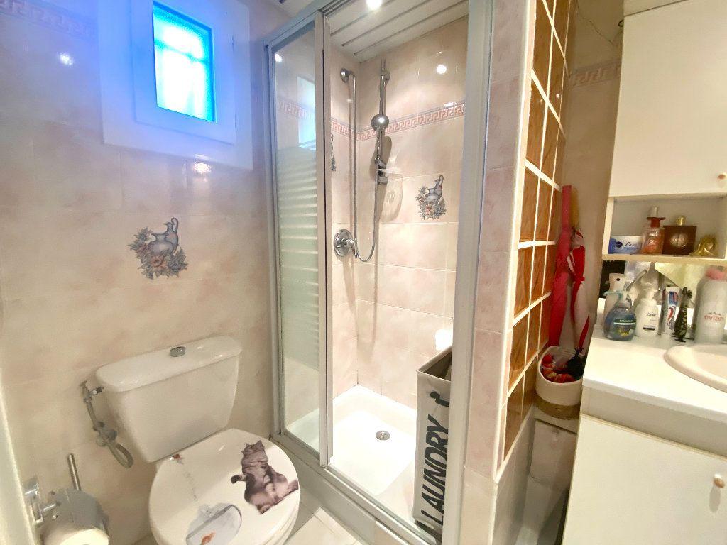 Appartement à vendre 2 33.74m2 à Saint-Vallier-de-Thiey vignette-4