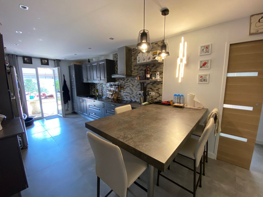 Maison à vendre 7 242m2 à Grasse vignette-6