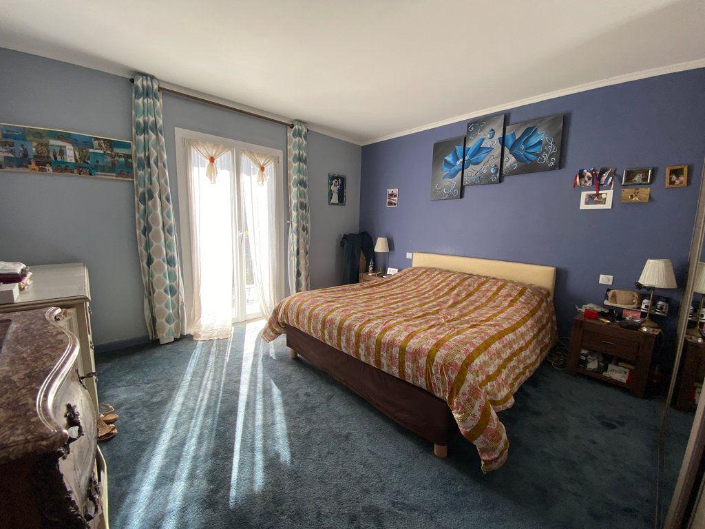 Maison à vendre 7 242m2 à Grasse vignette-7