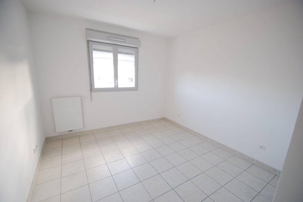 Appartement à louer 2 43m2 à Antibes vignette-6
