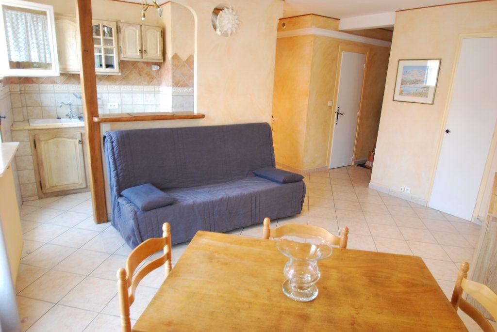 Appartement à louer 2 40m2 à Antibes vignette-2