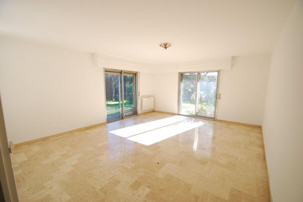 Appartement à louer 3 79.78m2 à Antibes vignette-3