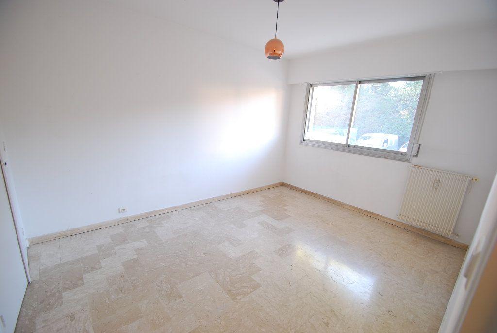 Appartement à louer 3 79.78m2 à Antibes vignette-5