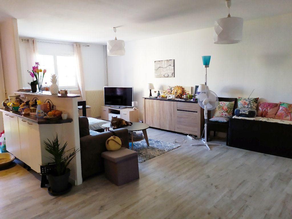 Appartement à vendre 3 64.01m2 à Vallauris vignette-2