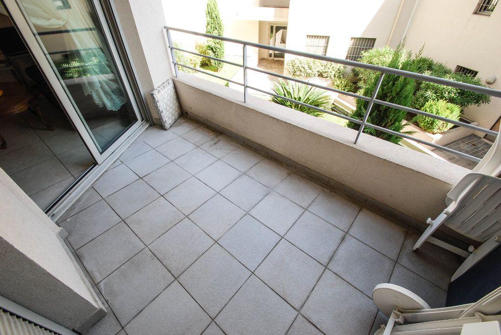 Appartement à vendre 2 35m2 à Juan-les-Pins - Antibes vignette-1