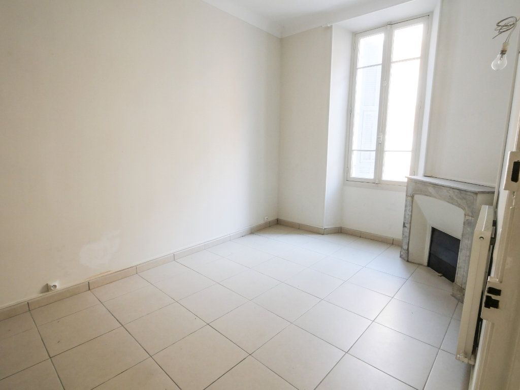 Appartement à louer 3 61.51m2 à Golfe Juan - Vallauris vignette-3