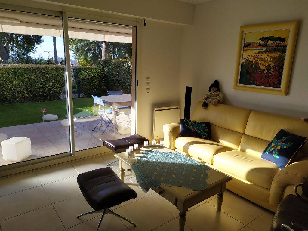 Appartement à vendre 3 86m2 à Antibes vignette-12
