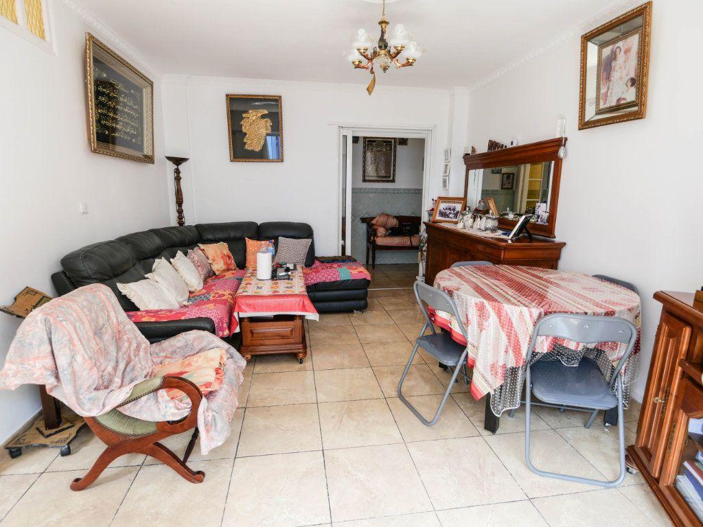 Appartement à vendre 4 77m2 à Juan-les-Pins - Antibes vignette-2