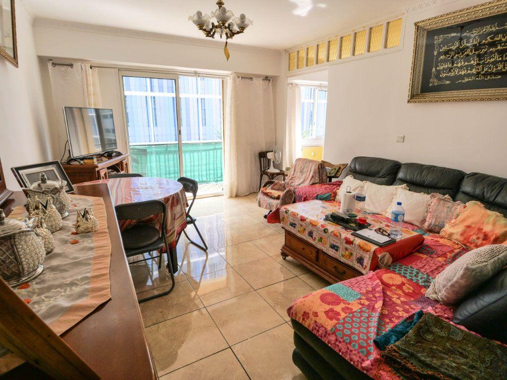 Appartement à vendre 4 77m2 à Juan-les-Pins - Antibes vignette-3
