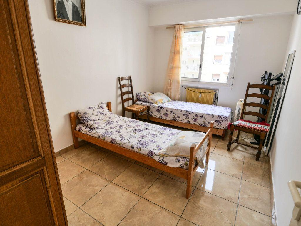 Appartement à vendre 4 77m2 à Juan-les-Pins - Antibes vignette-6