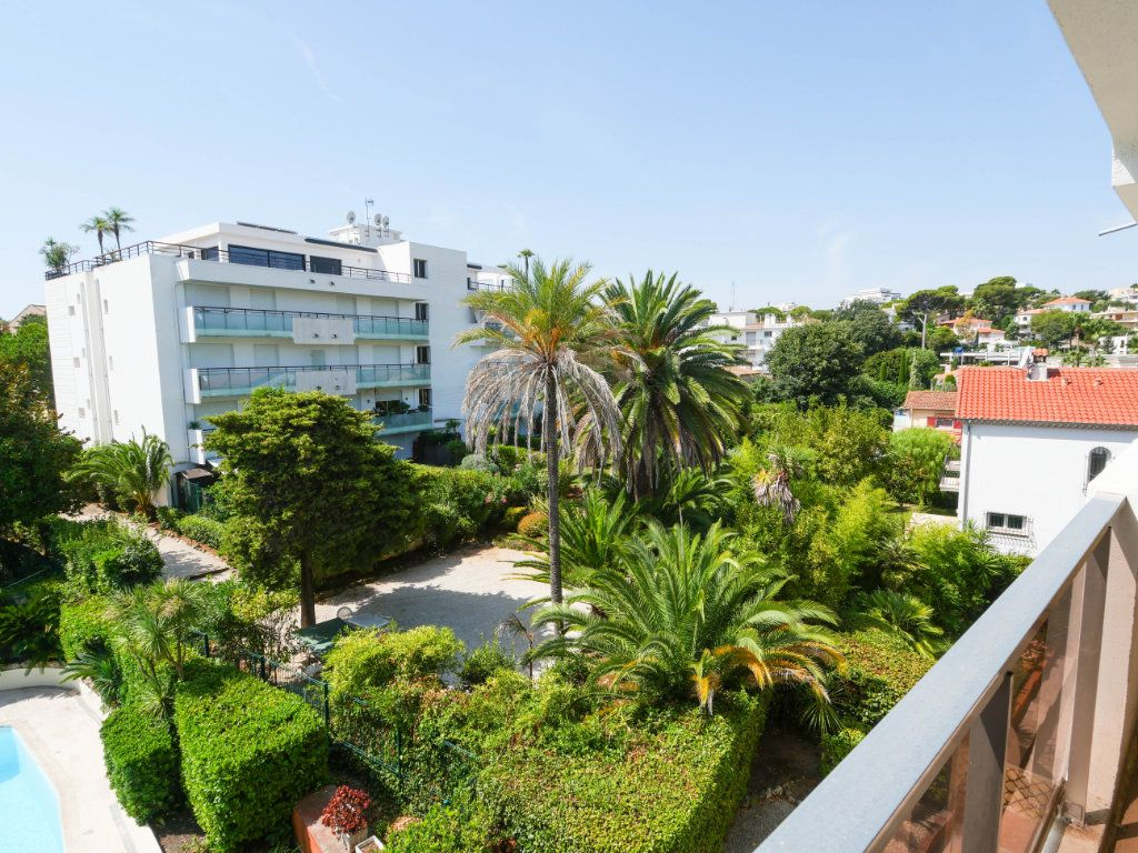 Appartement à vendre 3 97.04m2 à Antibes vignette-1