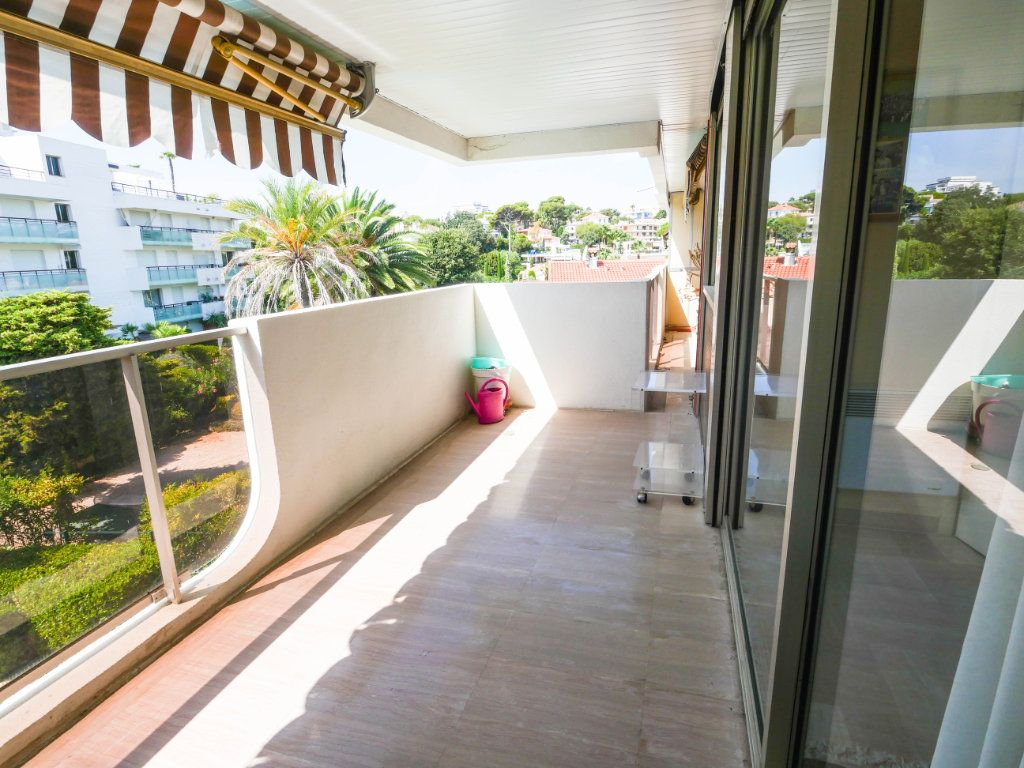 Appartement à vendre 3 97.04m2 à Antibes vignette-2