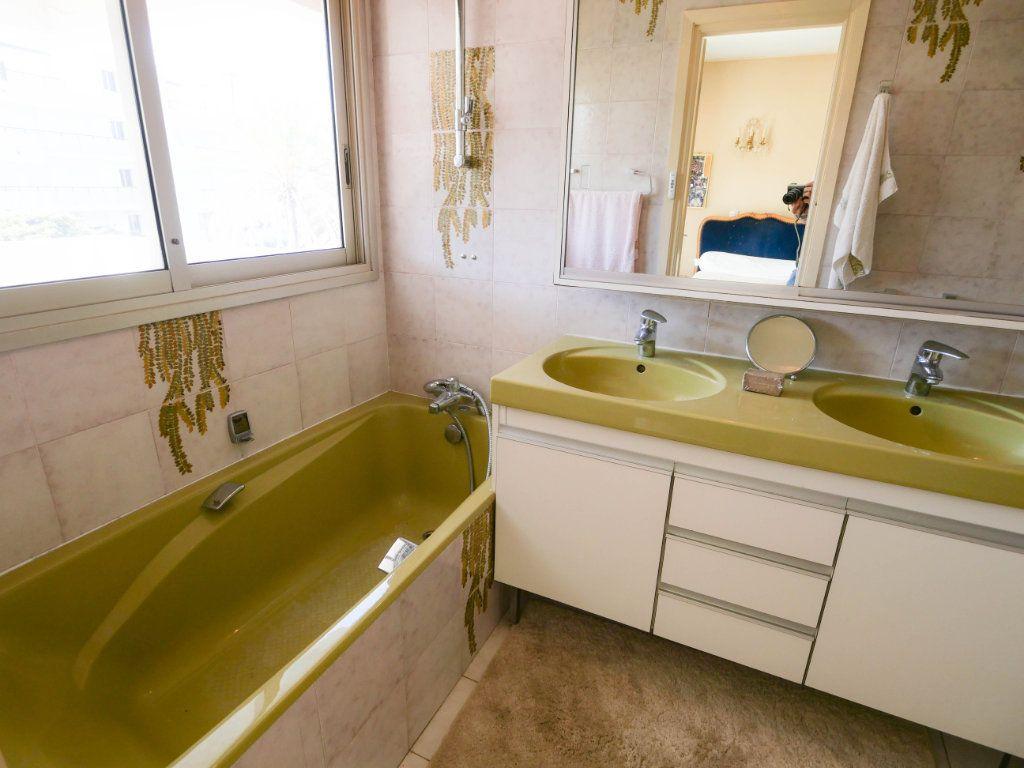 Appartement à vendre 3 97.04m2 à Antibes vignette-9