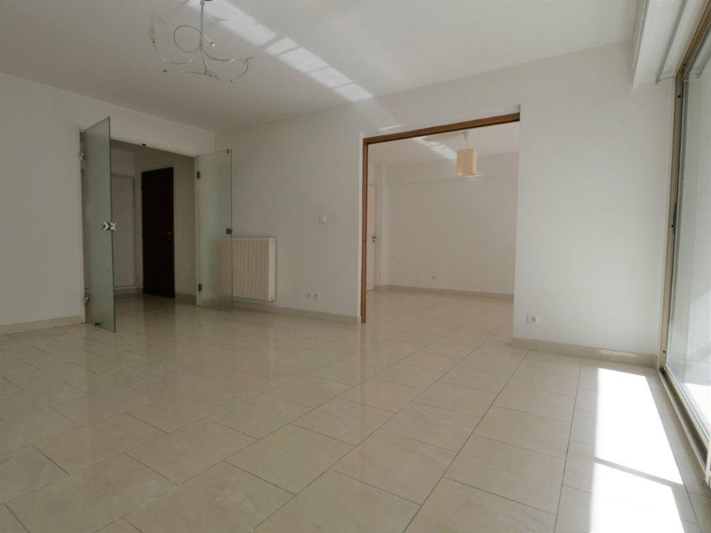 Appartement à vendre 3 73.08m2 à Antibes vignette-3