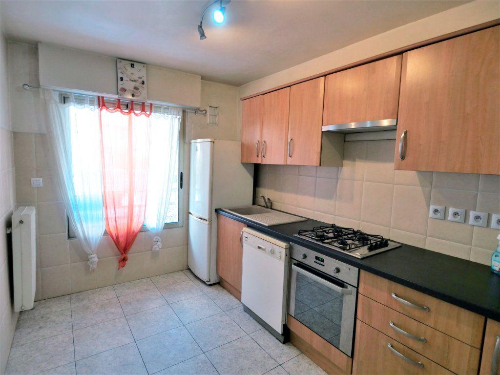 Appartement à vendre 3 73.08m2 à Antibes vignette-5