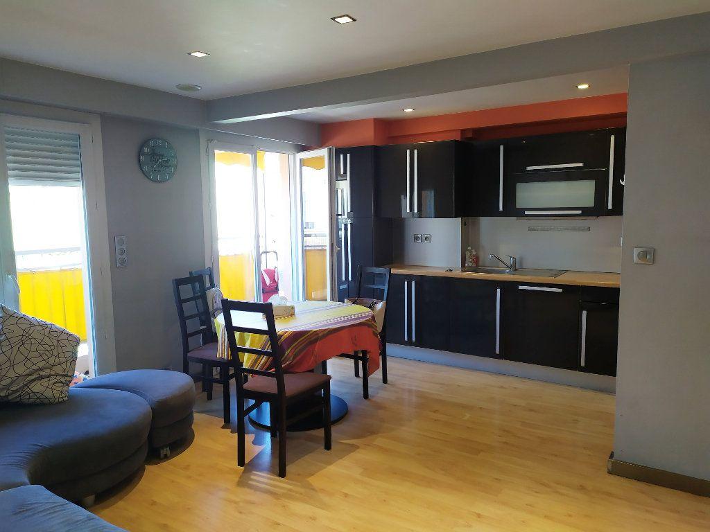 Appartement à vendre 3 55m2 à Antibes vignette-1
