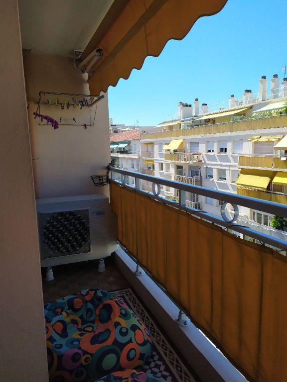 Appartement à vendre 3 55m2 à Antibes vignette-6