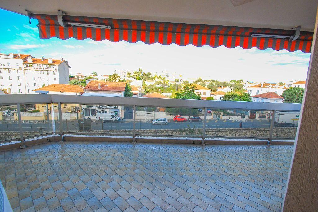 Appartement à vendre 2 69.11m2 à Juan-les-Pins - Antibes vignette-5