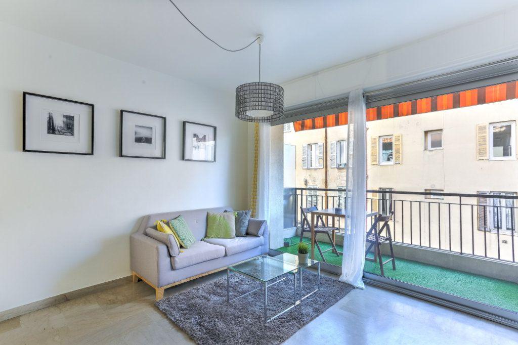 Appartement à vendre 1 26.7m2 à Cannes vignette-2