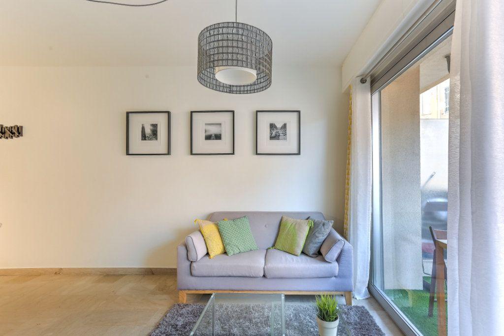 Appartement à vendre 1 26.7m2 à Cannes vignette-3