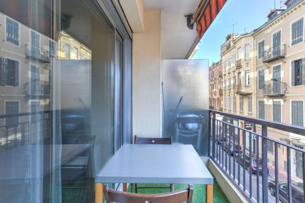 Appartement à vendre 1 26.7m2 à Cannes vignette-8