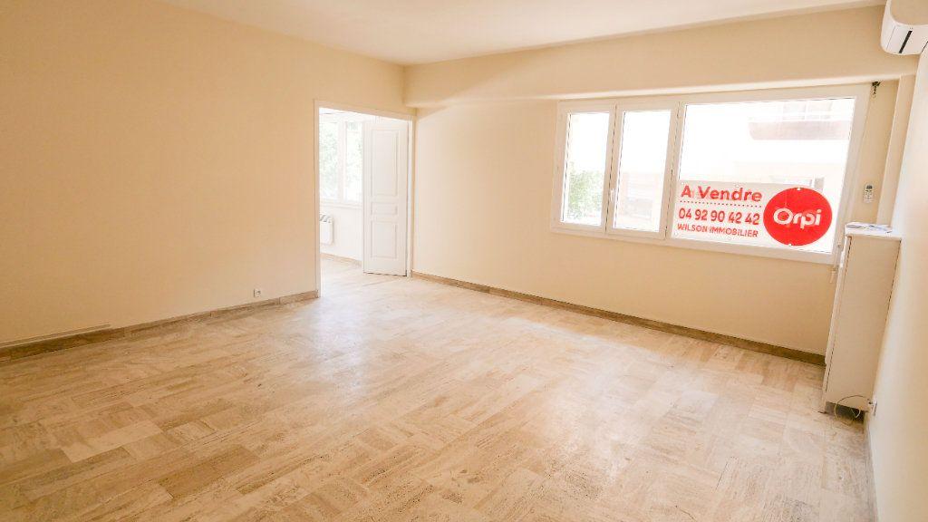 Appartement à vendre 3 71.19m2 à Antibes vignette-1