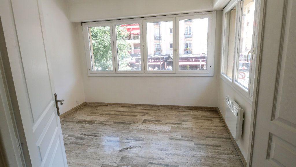 Appartement à vendre 3 71.19m2 à Antibes vignette-3