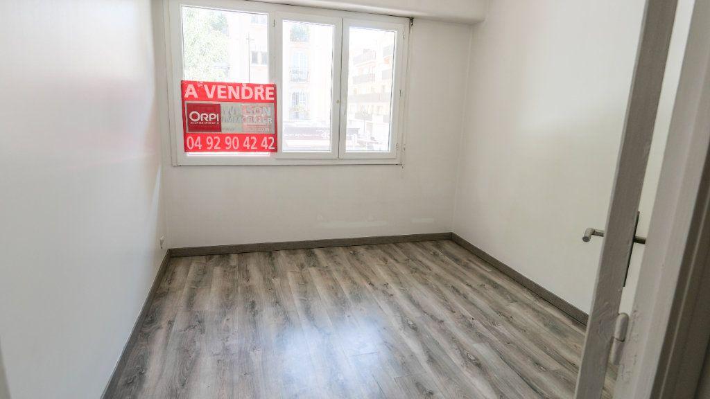 Appartement à vendre 3 71.19m2 à Antibes vignette-4