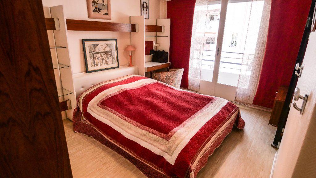 Appartement à louer 3 60.81m2 à Antibes vignette-6
