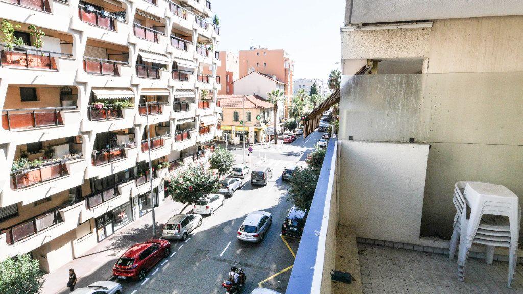 Appartement à vendre 2 45.38m2 à Juan-les-Pins - Antibes vignette-1