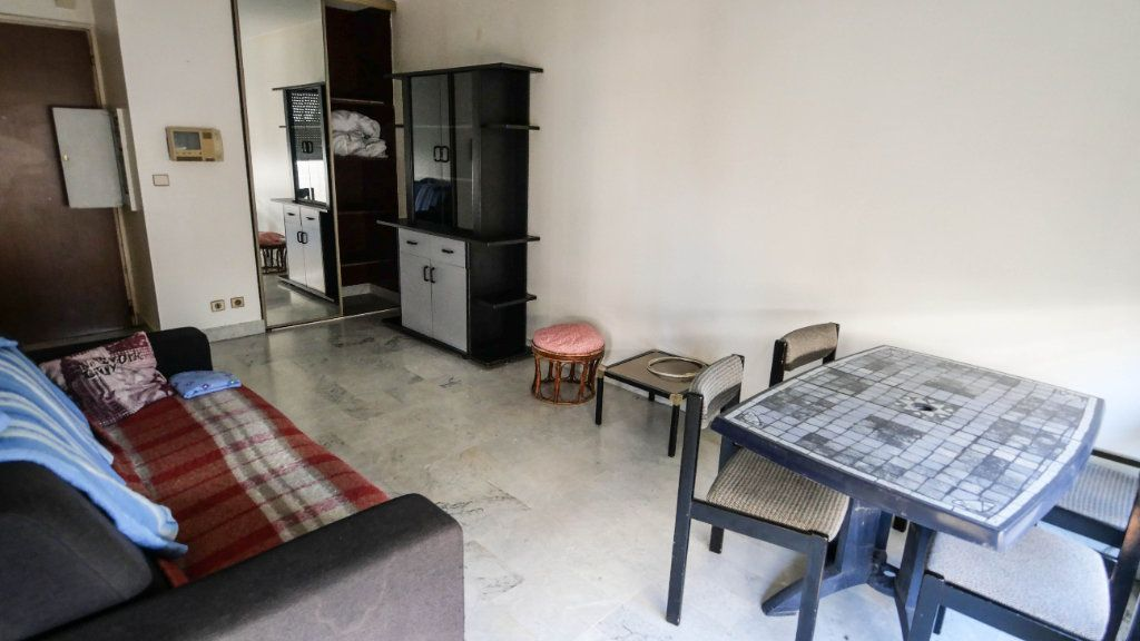 Appartement à vendre 2 45.38m2 à Juan-les-Pins - Antibes vignette-3