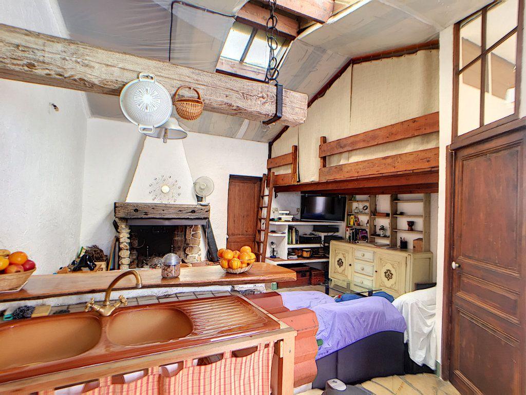 Maison à vendre 8 184m2 à Antibes vignette-4
