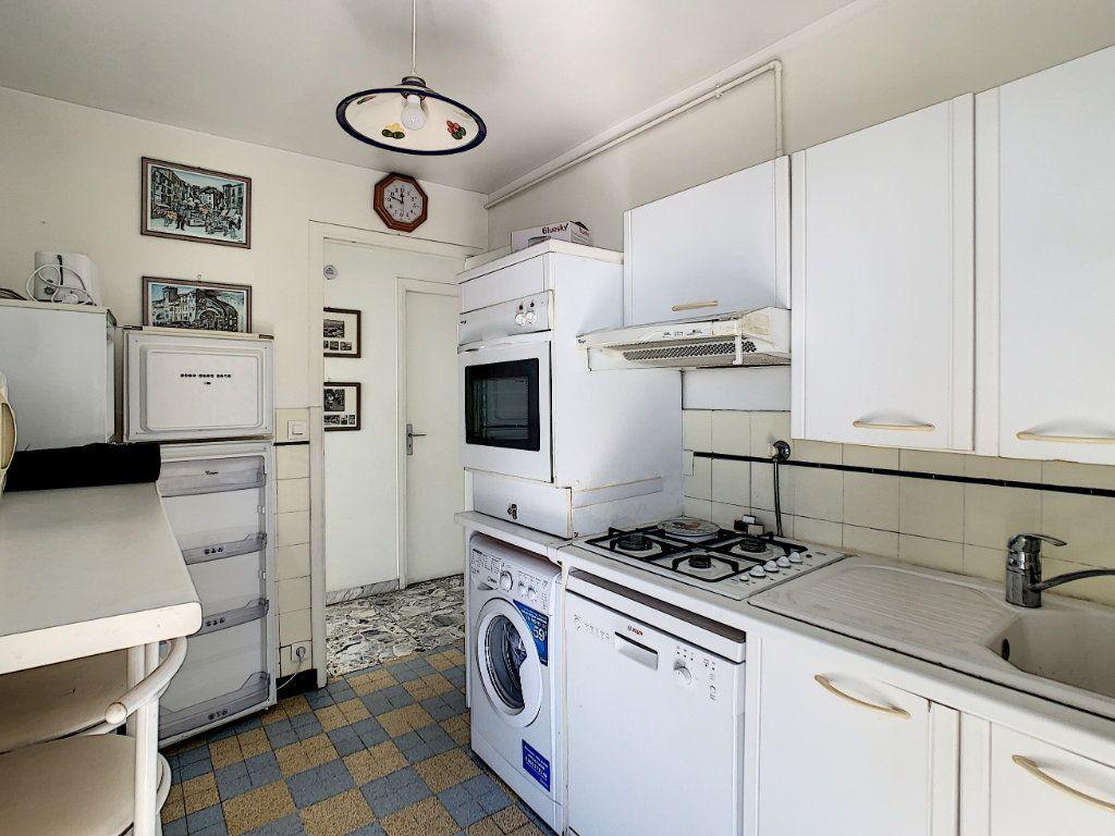 Appartement à vendre 2 54.11m2 à Juan-les-Pins - Antibes vignette-6