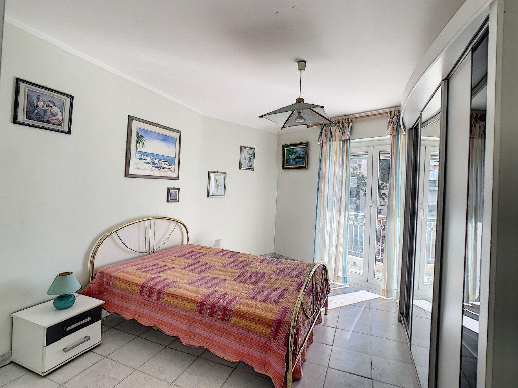 Appartement à vendre 2 54.11m2 à Juan-les-Pins - Antibes vignette-7