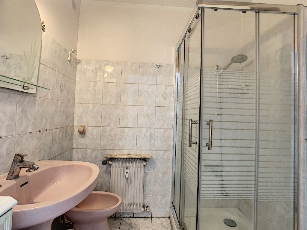 Appartement à vendre 2 54.11m2 à Juan-les-Pins - Antibes vignette-8