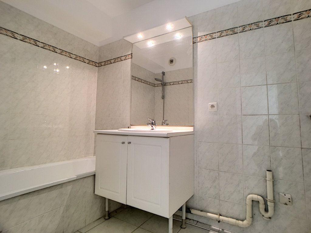 Appartement à vendre 4 88.49m2 à Antibes vignette-4