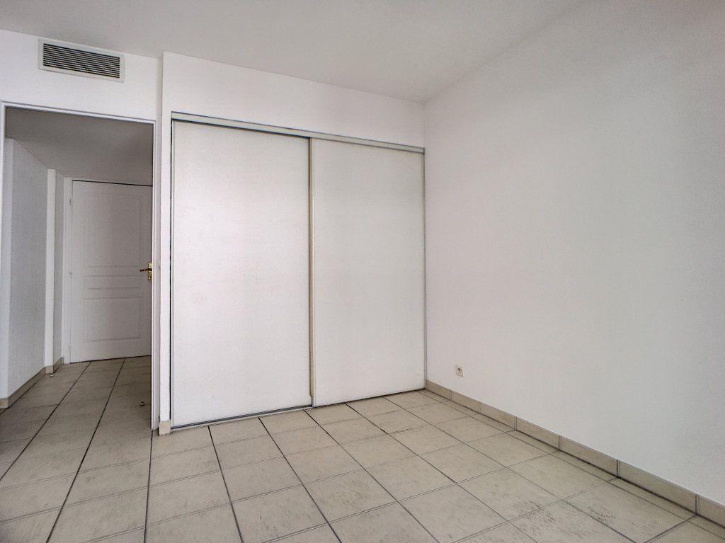Appartement à vendre 4 88.49m2 à Antibes vignette-5