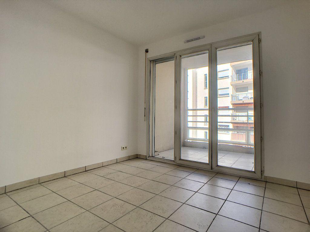 Appartement à vendre 4 88.49m2 à Antibes vignette-6