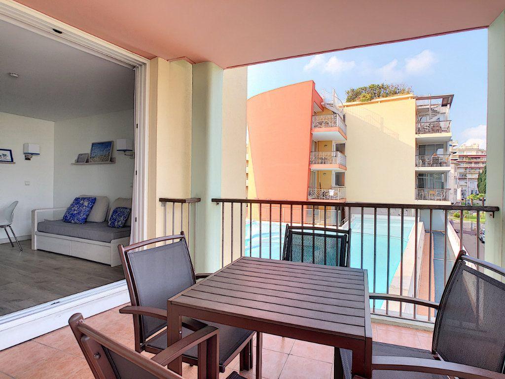 Appartement à vendre 2 35m2 à Antibes vignette-4