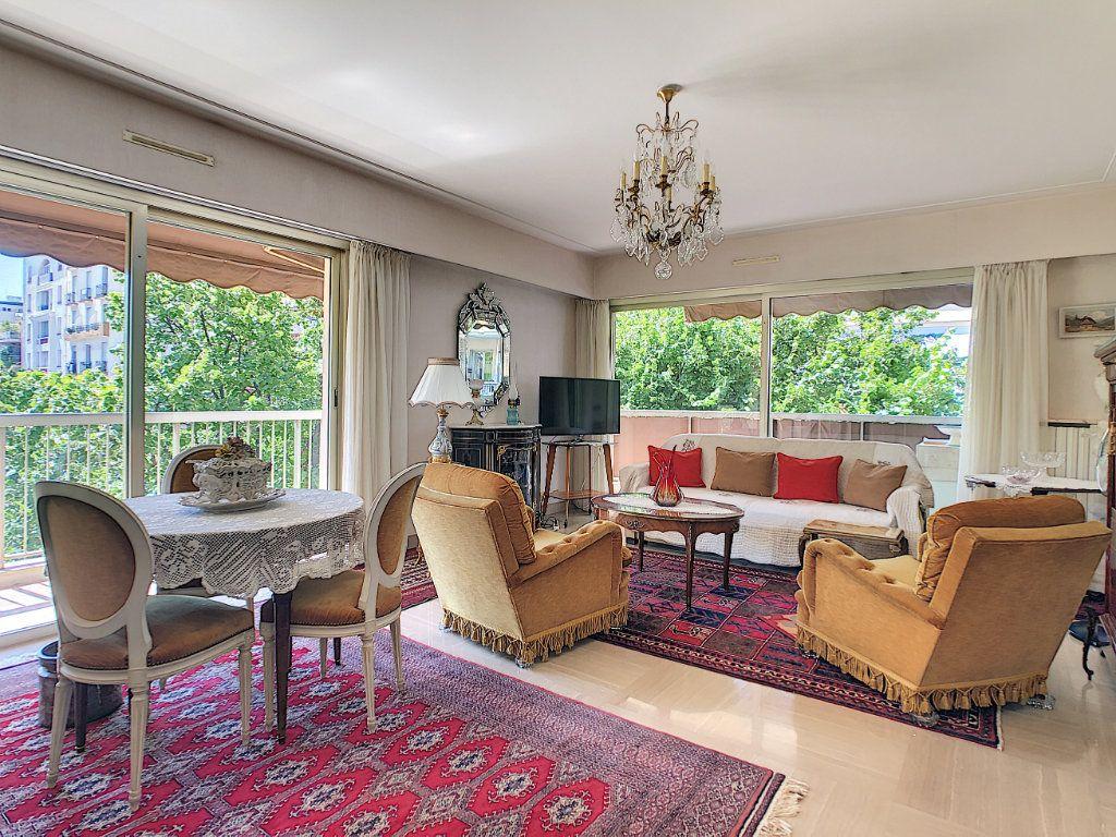 Appartement à vendre 3 91.21m2 à Juan-les-Pins - Antibes vignette-2