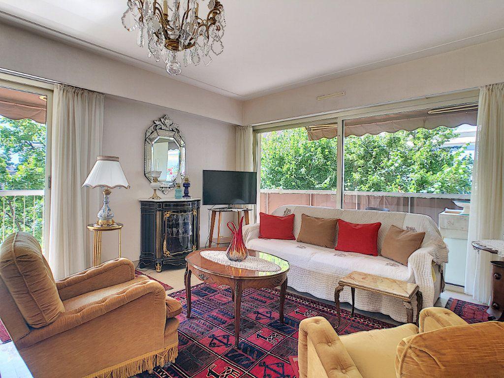 Appartement à vendre 3 91.21m2 à Juan-les-Pins - Antibes vignette-3