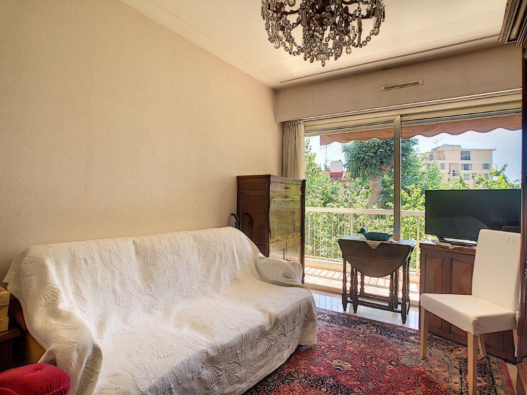 Appartement à vendre 3 91.21m2 à Juan-les-Pins - Antibes vignette-7