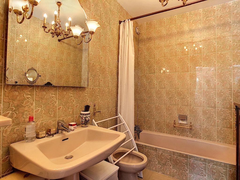 Appartement à vendre 3 91.21m2 à Juan-les-Pins - Antibes vignette-8