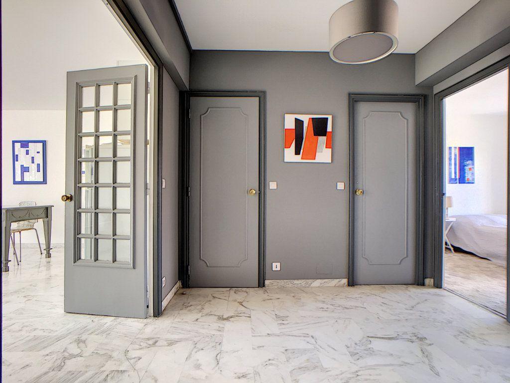 Appartement à vendre 3 76.24m2 à Cannes vignette-5